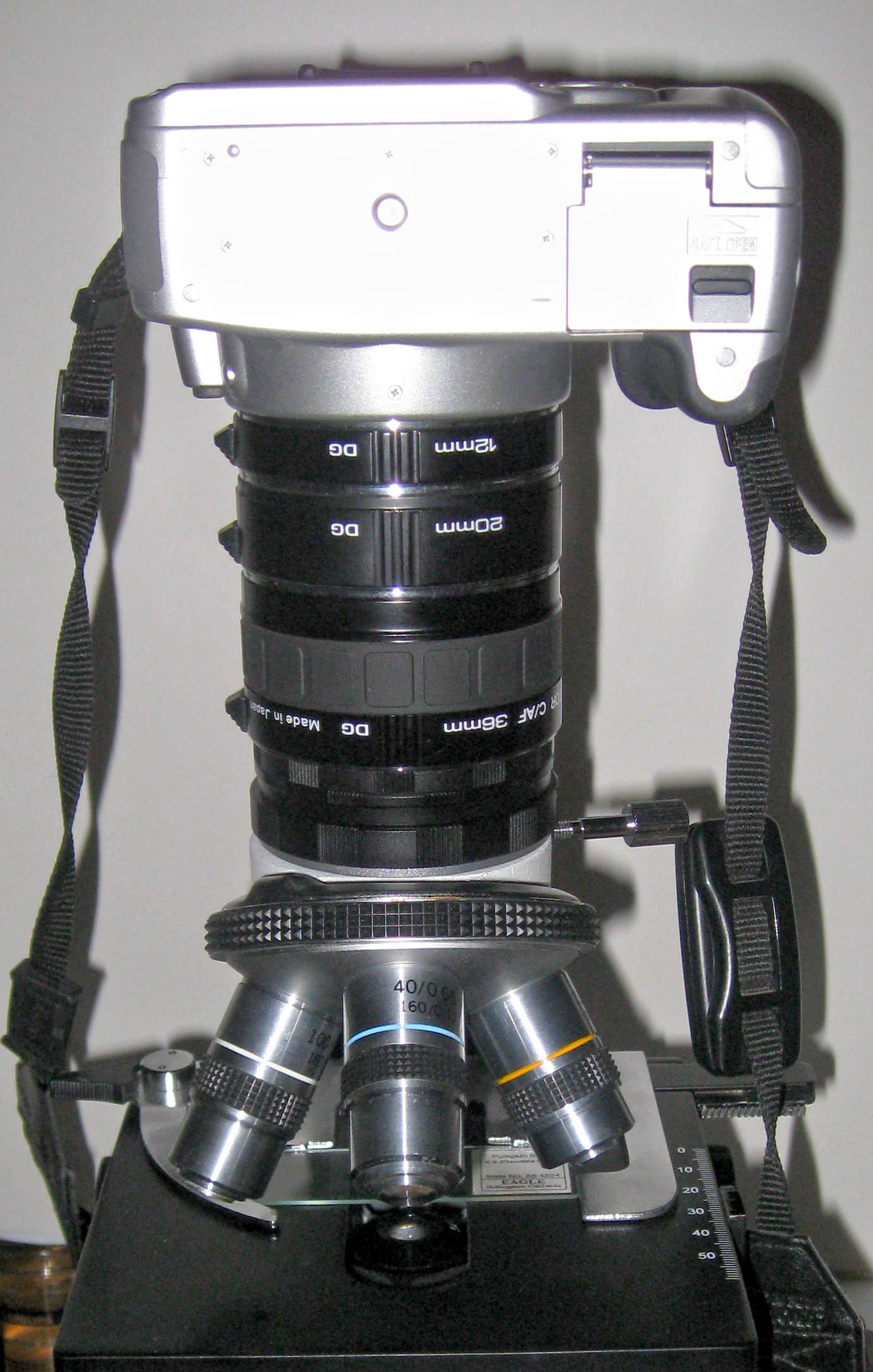 Canon on microscope with several extension tubes